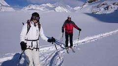 Lodowiec Fieschergletscher, przełęcz Grunhornlucke pass (3279m), szczyt Grunhorn (4044m)