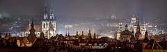 Blick auf die Prager Altstadt bei Nacht