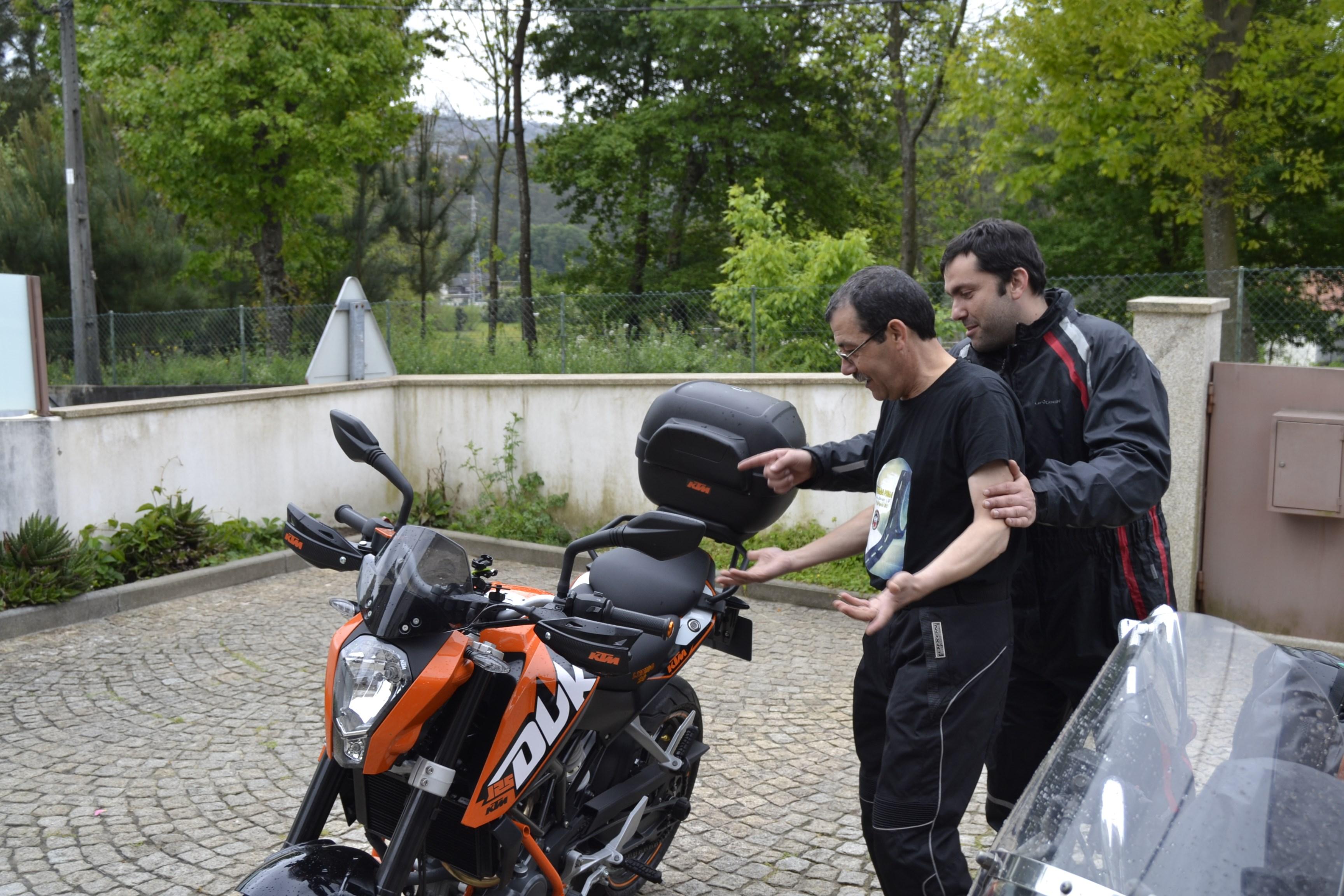 Dia do Motociclista - Viana do Castelo - 27.Abril.2014 - Página 6 14059300872_82754fc6e9_o