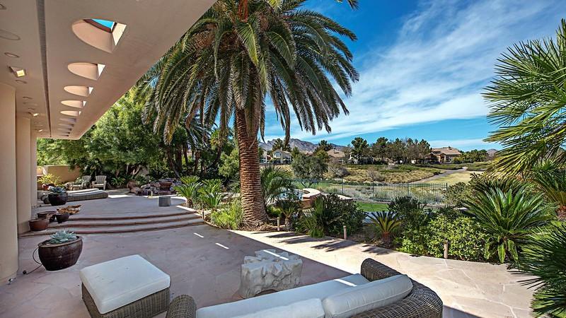 Вид с террасы дома в Лас-Вегасе