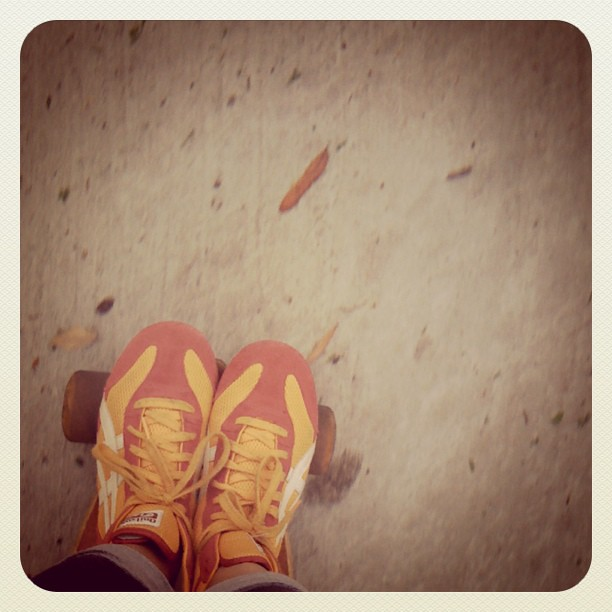 Toes on the nose. #longboarding last ride before @lonniewebb leaves