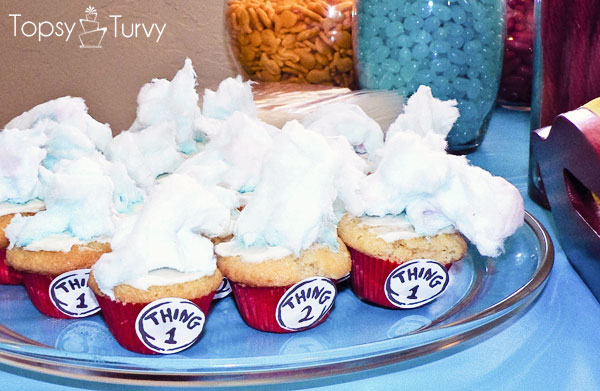 seuss-cat-hat-birthday-party-thing-1-2-cupcakes