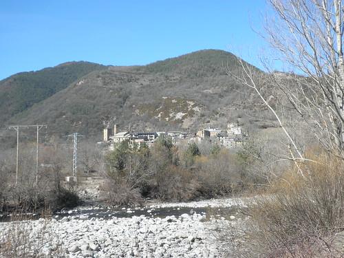 Río Ara, al fondo Oto
