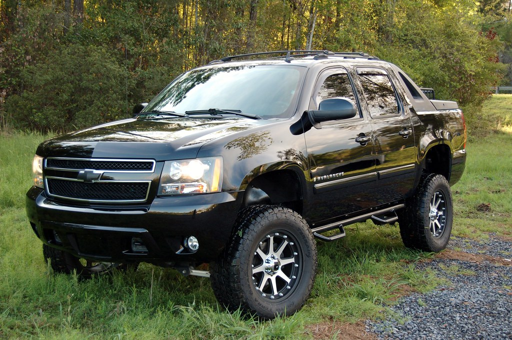 chevy avalanche off road. Black Bedroom Furniture Sets. Home Design Ideas