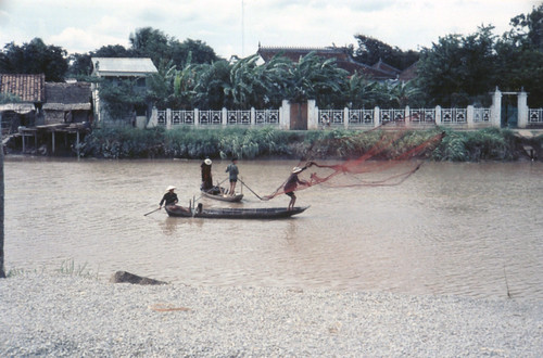 Vietnamese fisherman seine fishing