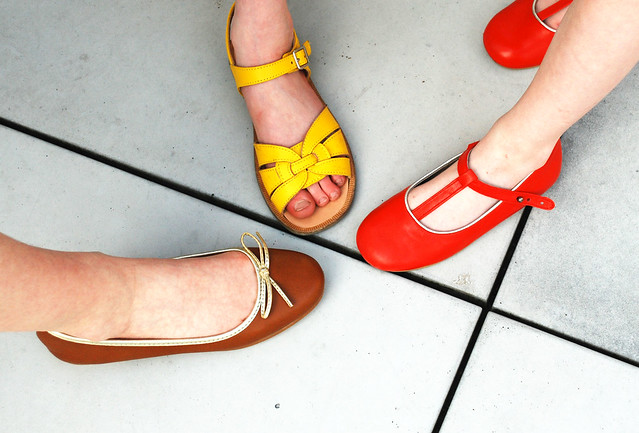 What shoes are the girls wearing SS12