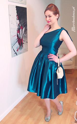 marchewkowa, szycie, krawiectwo, sukienka balowa, turkusowa tafta, satyna, wykrój, Burda 1/2012, model 151, kostium karnawałowy Wilmy Flintstone