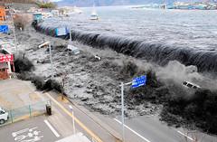 311 日本東北9級地震引發4m海嘯