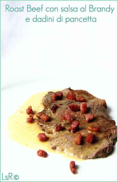 roast beef con salsa al brandy e dadini di pancetta