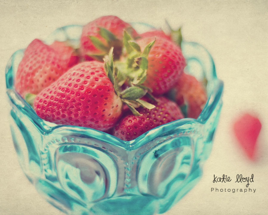 3-8-12-Strawberry-Vintage