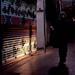 薄暗い商店街