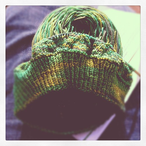 First repeat done. This has been the best, most relaxing day ever#happyincle  #sunshine #knitting