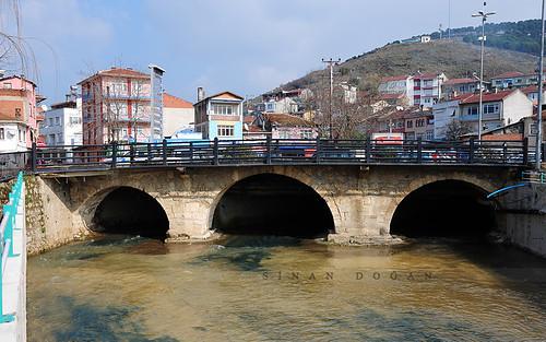 Armutlu Köprüsü