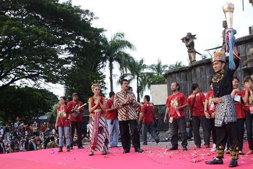 Peace Torch was lifted by Acehnese Youth