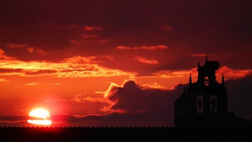 Sunset Bermellar