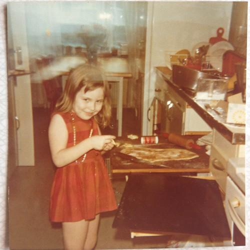 Kerstin i köket på Idrottsgatan