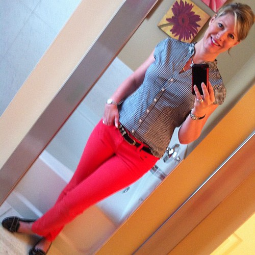 Wednesday's ootd: Channeling my inner Audrey?  Gingham top NEW from H&M, papaya toothpick jeans J.  Crew, patent belt with leopard embellishment Ellen Tracy, black buckle loafers Nickels.