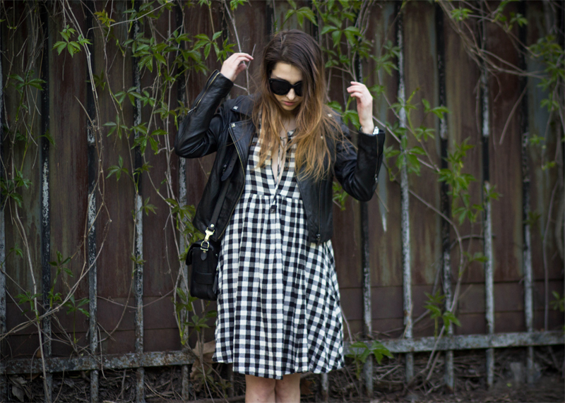 The White Ocean, Lena Juice, Personal Style Blogger, Ukraine, Fashion Blogger, checked dress, leather, leather jacket