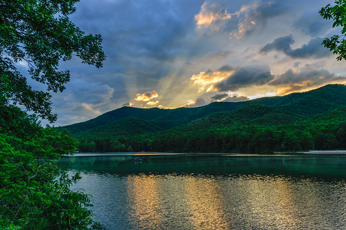 dawn sunrise douthat lake virginia