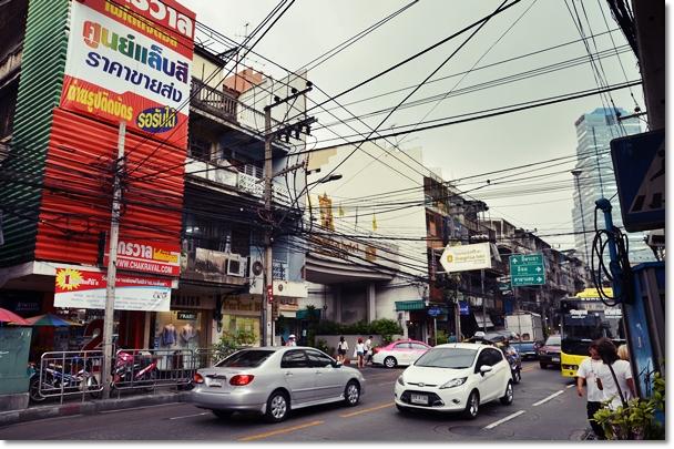 Streets of Bang Rak - Shangri-La Hotel