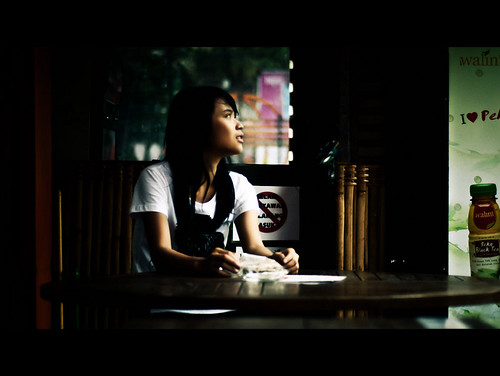 [フリー画像素材] 人物, 女性 - アジア, 人物 - 横顔・横を向く, インドネシア人, Tシャツ ID:201203070800
