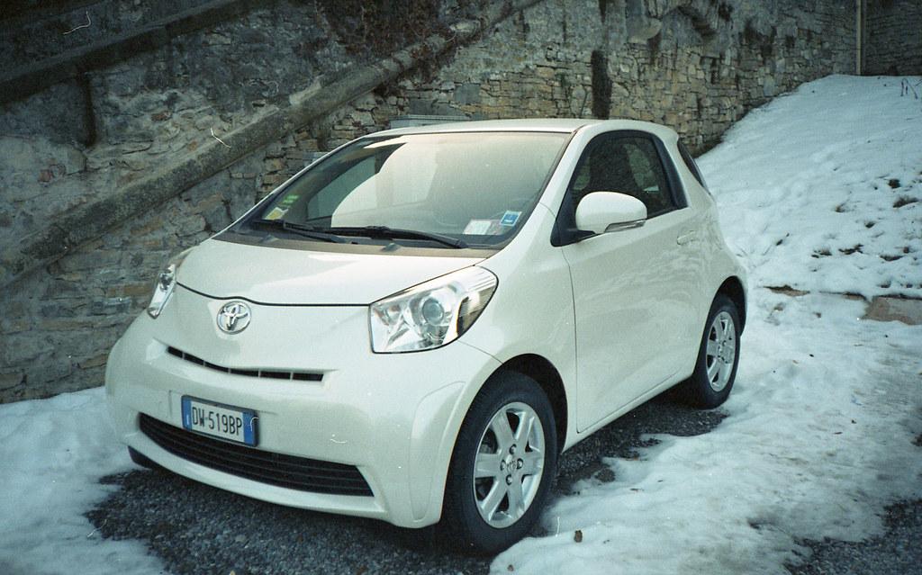 Samochodzik. Fuji DL-200.