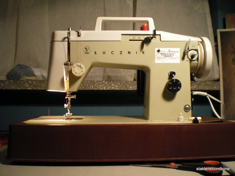 łucznik sewing machine
