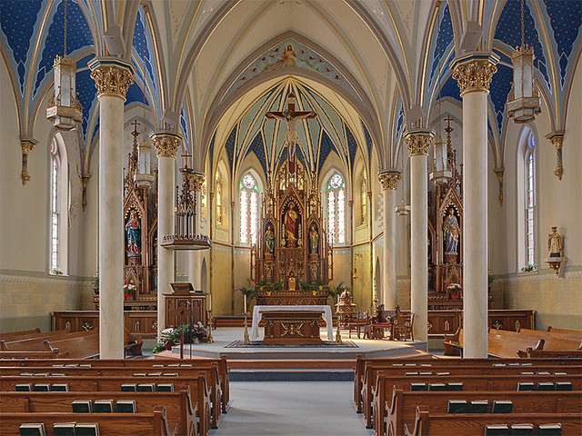 Saint Peter Roman Catholic Church, in Jefferson City, Missouri, USA - nave