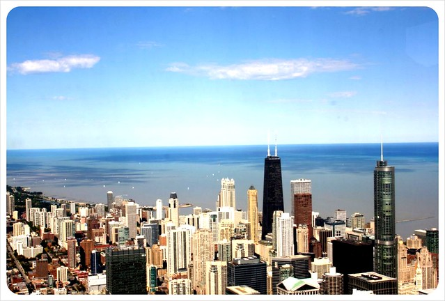 willis tower skydeck view over chicago & lake michigan