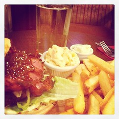 burger chips and cider