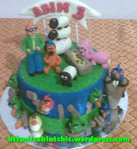 Kue ulang tahun dengan tema Cake Shaun the Sheep dan angry bird model ...