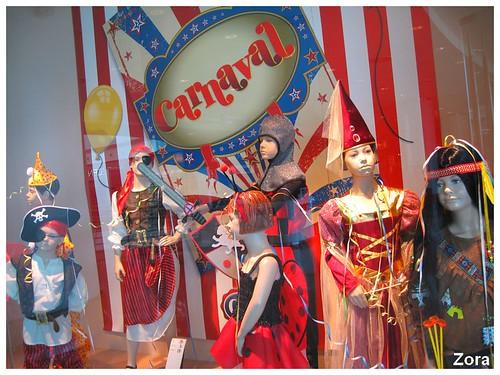 Un carnaval de poupées