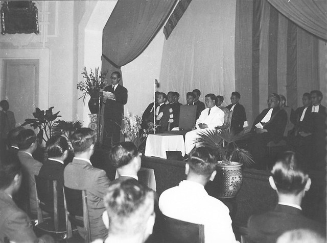 Lễ khánh thành Viện ĐH Huế - Bộ trưởng QG Giáo Dục đọc diễn văn