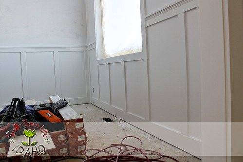 Inexpensive Board And Batten Wainscot How To Diy