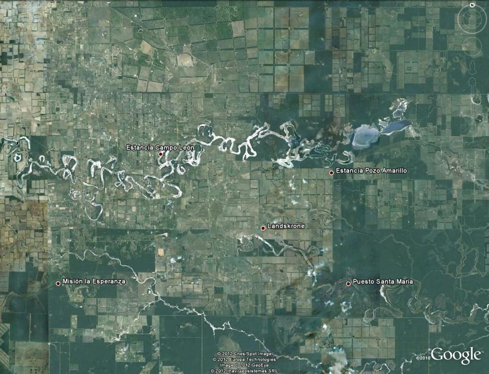 La Laguna Teniente Rojas Silva y Chaco Lodge con 2500 hectáreas junto con la Laguna Salada y la de Campo Capitán, forman un collar de lagunas saladas que se convierten así en el primer humedal de agua salada declarado Ramsar del Paraguay y que tuvimos oportunidad de recorrer en esta entrega. (Google Earth)