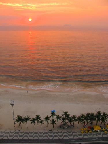 Amanece en Copacabana by Miradas Compartidas
