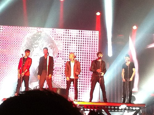 The Wanted go up on a platform
