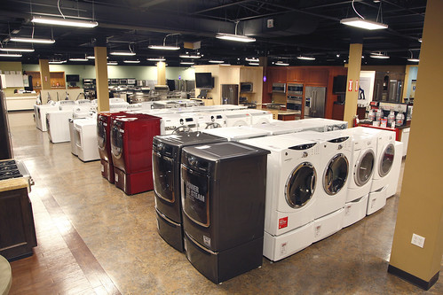 Washers and Dryers on Display in Bergen County NJ Appliance Store