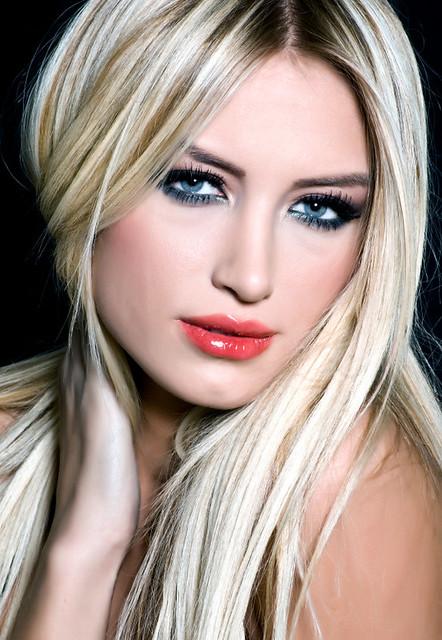 Heavy, dimensional, platinum blonde highlights on dark base | Flickr ...