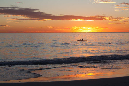 Sunset kayaker, Mullaloo