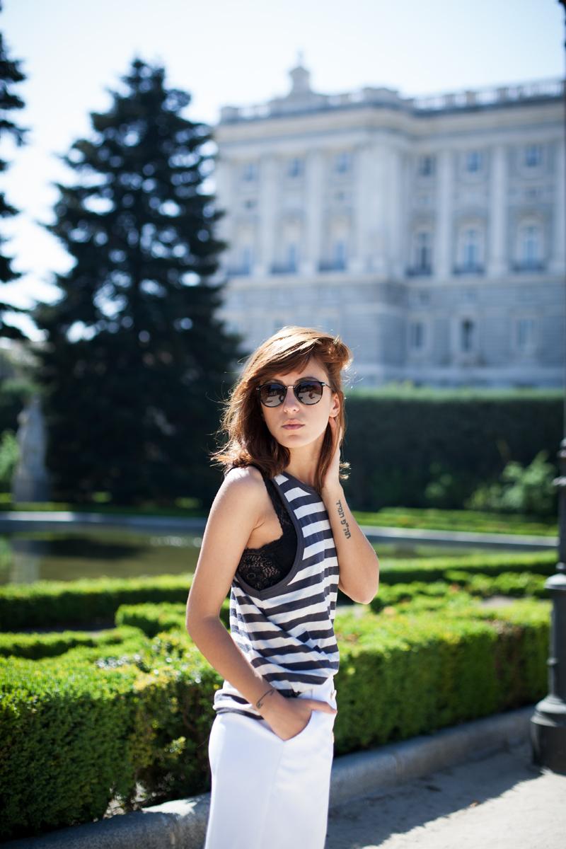 Falda-Blanca-Botones-Dorados-Zara-006