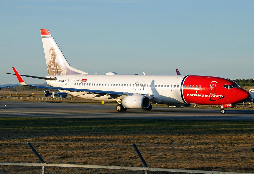 LN-NGB - B738 - Norwegian