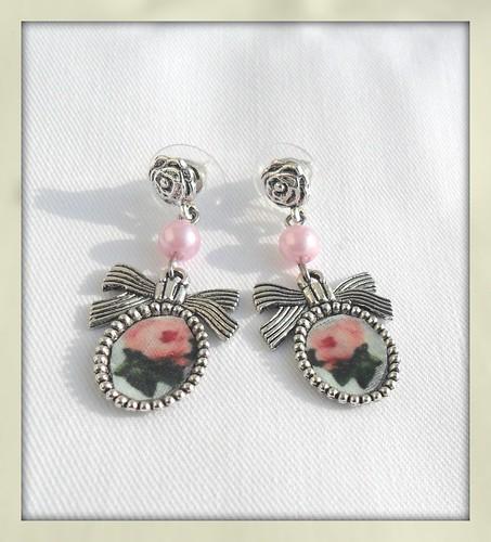 Brincos Prateados rosas by Fuxiquices-da-isa