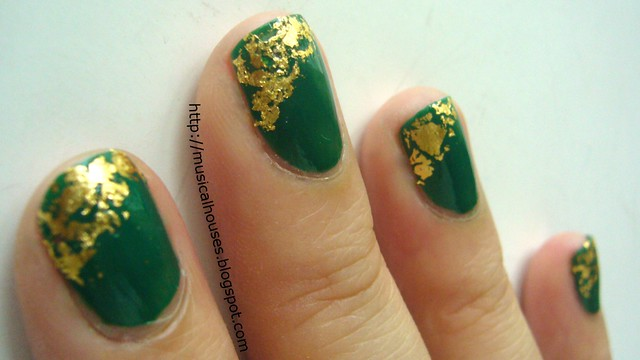 st patricks day nails gold leaf 2