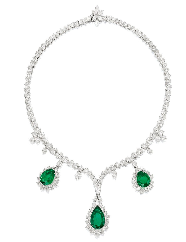 Harry Winston Colombian Emerald and Diamond Necklace.jpg