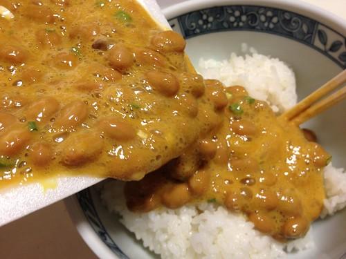 芝崎納豆をご飯にかける