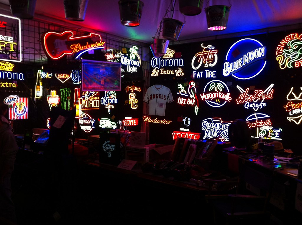 neon signs beer bar cave flickr coolest mirrors sig