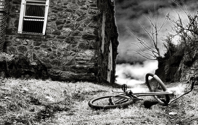 Abandoned bike and building