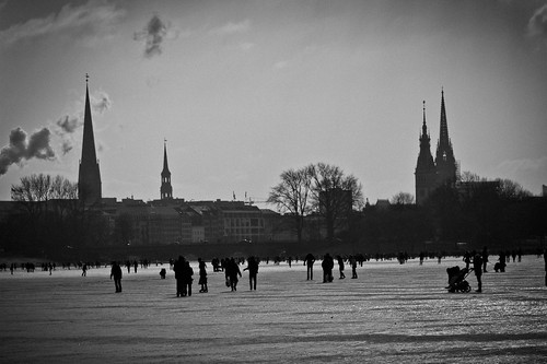 Hamburg Skyline - Alster on Ice