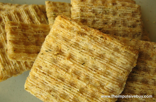 Nabisco Dill Sea Salt & Olive Oil Triscuit Closeup